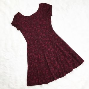 Forever 21 Burgundy Floral Dress sz. Small